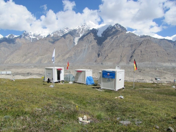 Glacier monitoring station